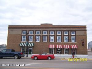 105 N Otter Avenue, Parkers Prairie, MN 56361