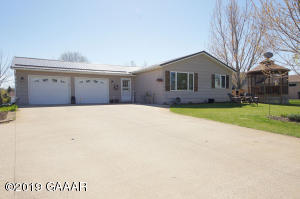 2405 Mccauley Lane NE, Alexandria, MN 56308