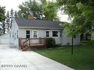 907 Lake Street E, Osakis, MN 56360