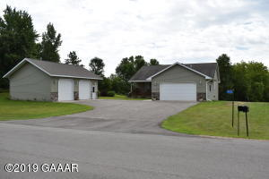 4932 Algonquin Trail NW, Alexandria, MN 56308