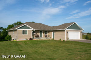3086 Country Estates Drive NW, Alexandria, MN 56308