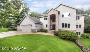 2108 White Oak Circle NE, Alexandria, MN 56308