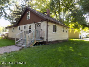 207-209 Iowa Avenue, Hoffman, MN 56339