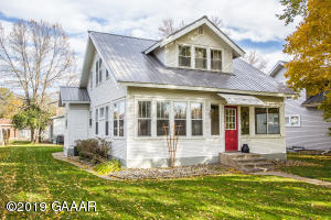 305 7th Avenue E, Alexandria, MN 56308