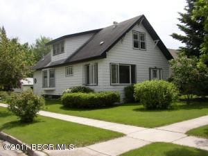 824 Knight Avenue, Thief River Falls, MN 56701