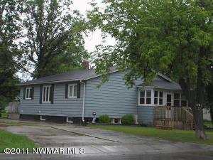 406 2ND Avenue, Roseau, MN 56751