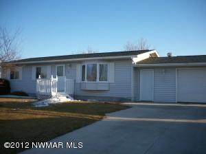 108 8th Street SW, Roseau, MN 56751