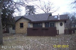 220 Pine Avenue N, Thief River Falls, MN 56701