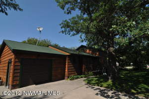 807 Lake Street NW, Warroad, MN 56763