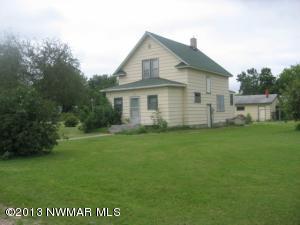 1209 LaBree Avenue N, Thief River Falls, MN 56701