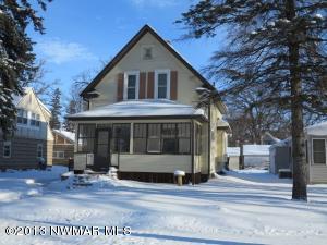 310 Kendall Avenue N, Thief River Falls, MN 56701