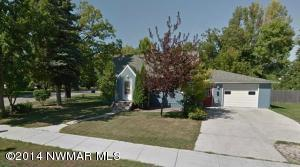 401 3rd Street E, Roseau, MN 56751
