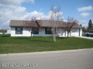207 Garfield Street SW, Warroad, MN 56763