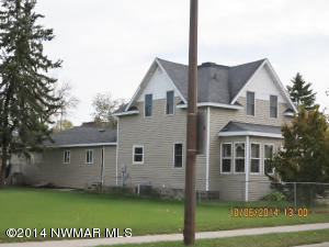 614 Main Avenue N, Thief River Falls, MN 56701
