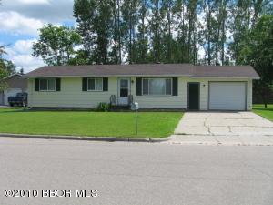 504 9TH Street NW, Fosston, MN 56542