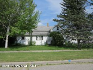 613 State Avenue SW, Red Lake Falls, MN 56750