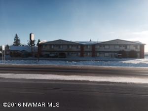 806 3rd Street NW, Roseau, MN 56751
