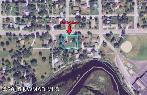 312 & 314 Lake Street NW, Warroad, MN 56763