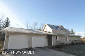 557 Poplar Avenue W, Greenbush, MN 56726