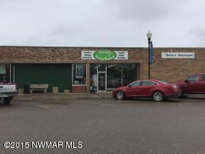 107 Main Avenue N, Roseau, MN 56751