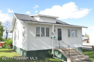 209 2nd Avenue NW, Roseau, MN 56751