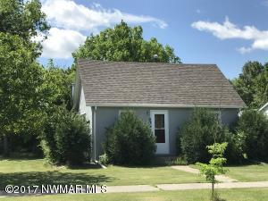 234 3rd Avenue N, Crookston, MN 56716
