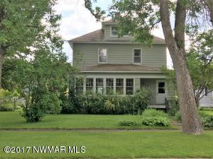 909 Riverside Drive, International Falls, MN 56649