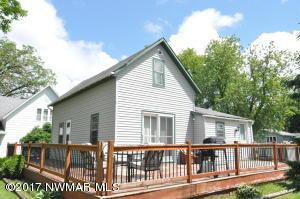 402 Robert Avenue NE, Warroad, MN 56763