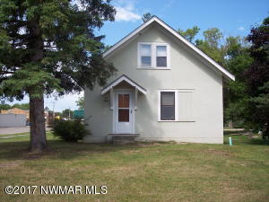 15 Oak Street, Clearbrook, MN 56621