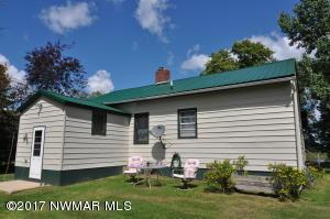 203 Riverview Drive, Warroad, MN 56763