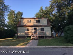 208 Elk Street NW, Warroad, MN 56763