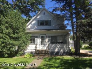 308 3rd Ave NE Avenue, Roseau, MN 56751