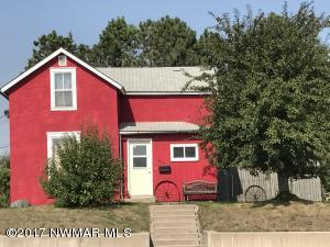 514 W 6th Street, Crookston, MN 56716