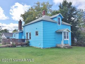112 Maple Avenue NE, Cass Lake, MN 56633
