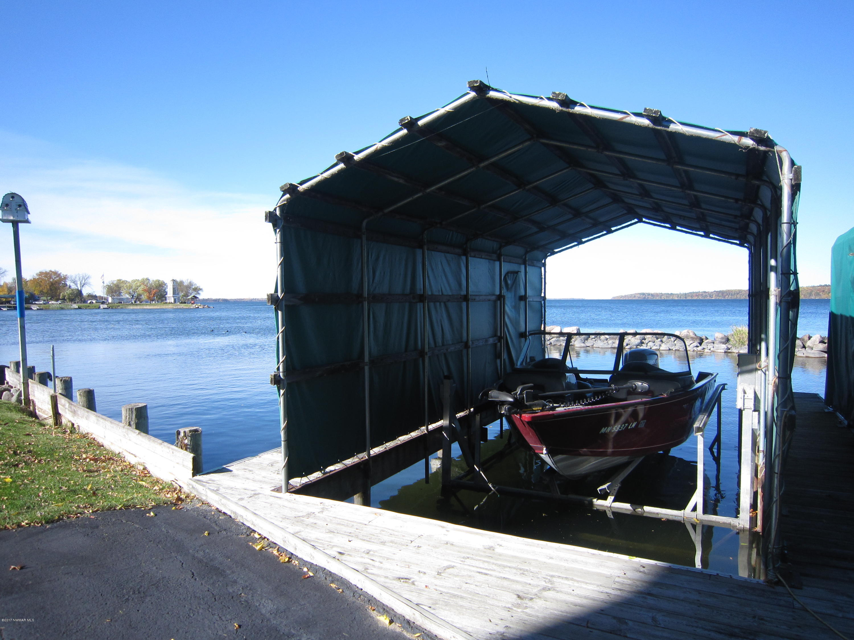 Boat lift & slip
