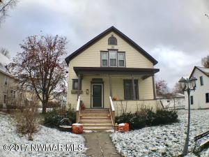 609 Horace Avenue N, Thief River Falls, MN 56701