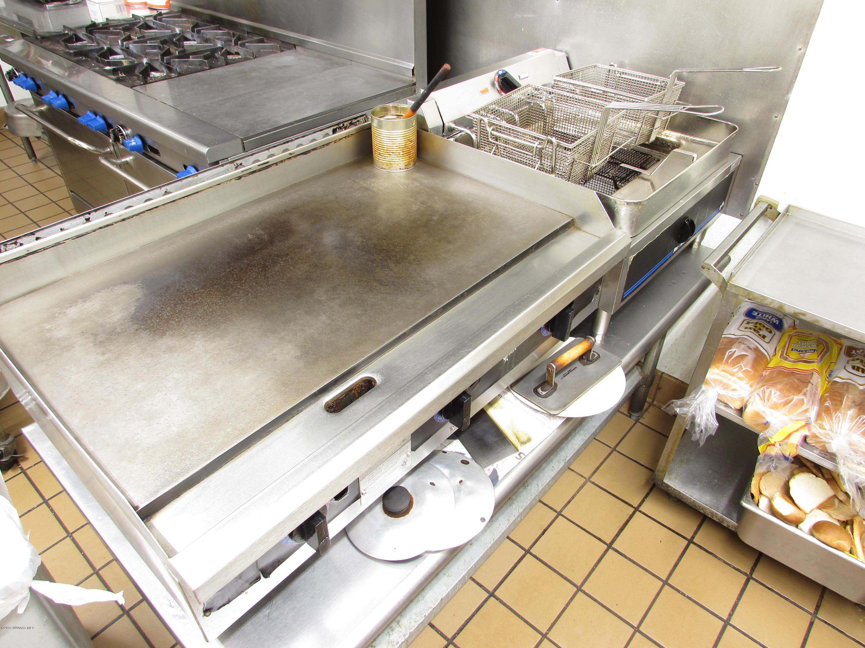 3-burner Flat Top & Double Deep Fryer