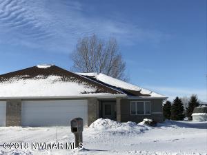 1123 Norton Circle, Crookston, MN 56716