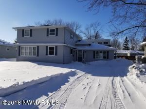 415 Maple Avenue S, Thief River Falls, MN 56701