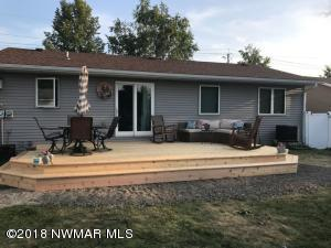 1119 Greenwood Street E, Thief River Falls, MN 56701