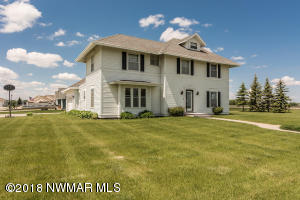 1711 Evergreen Drive, Crookston, MN 56716