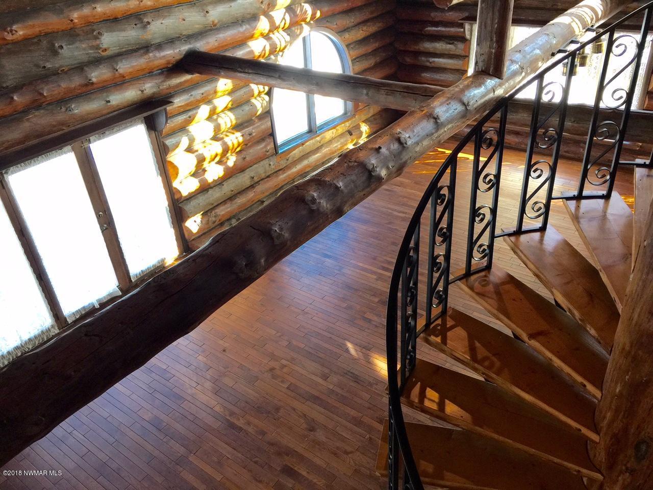 Unique Spiral 1/2 log Staircase