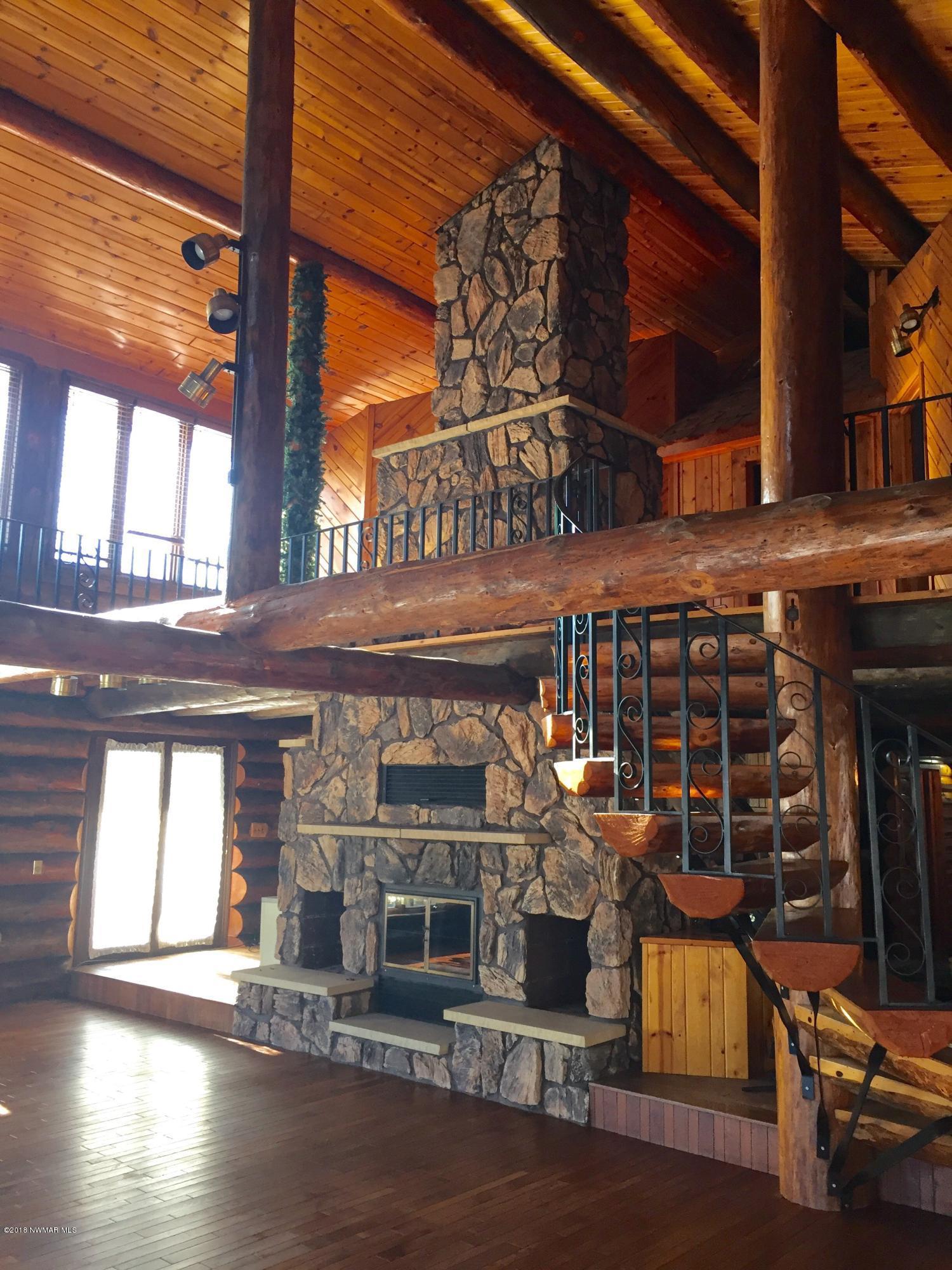 1/2 log spiral staircase