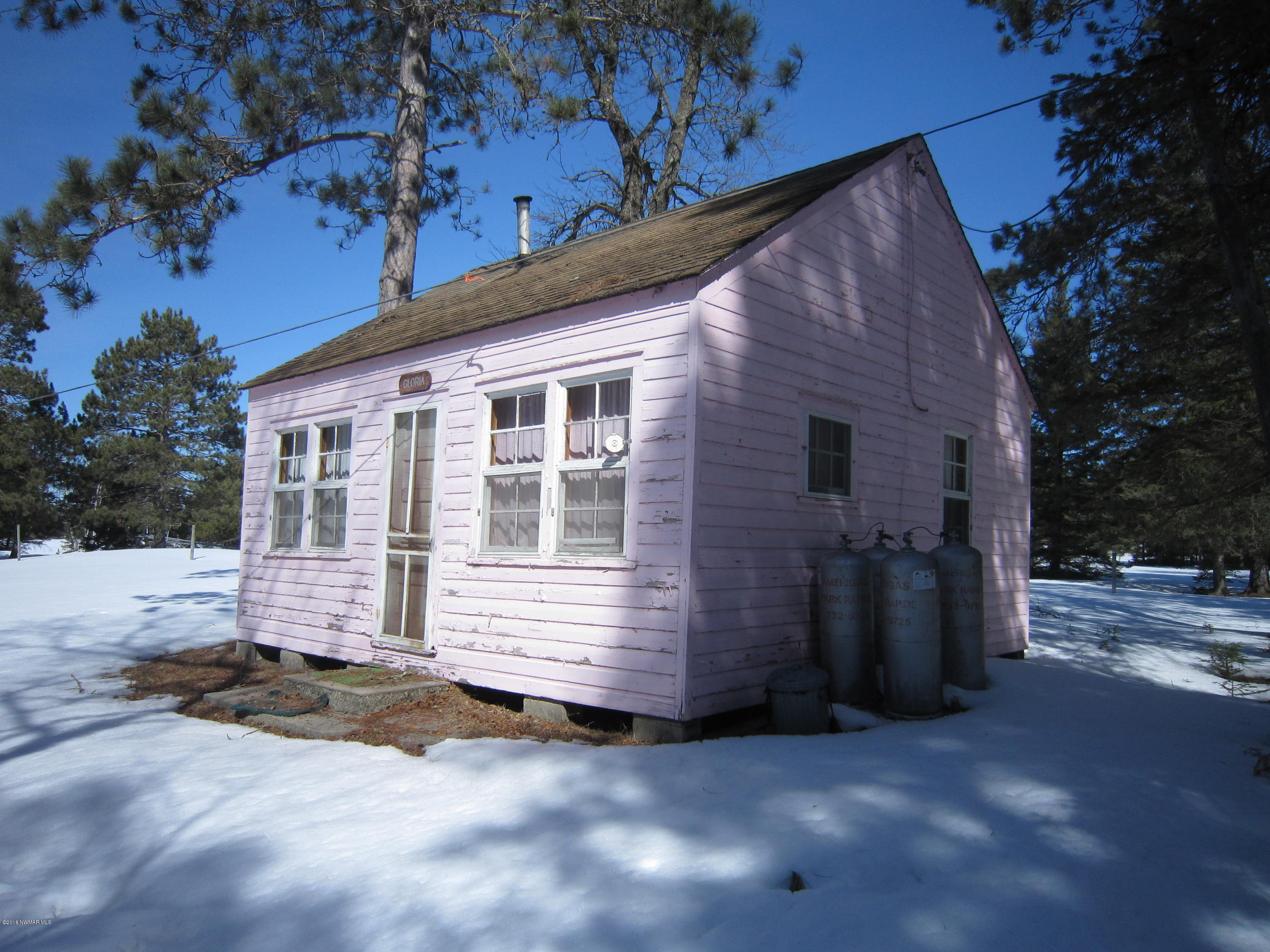 1 of 3 old cabins