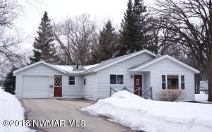 1303 Arnold Avenue N, Thief River Falls, MN 56701
