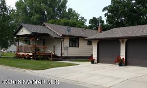 407 6th Street NE, Roseau, MN 56751
