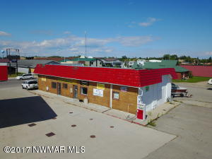 102 Lake Street NE, Warroad, MN 56763