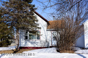 407 Champagne Avenue SW, Red Lake Falls, MN 56750