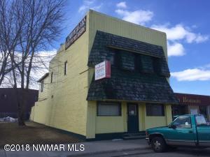 115 Wabasha Avenue NE, Warroad, MN 56763