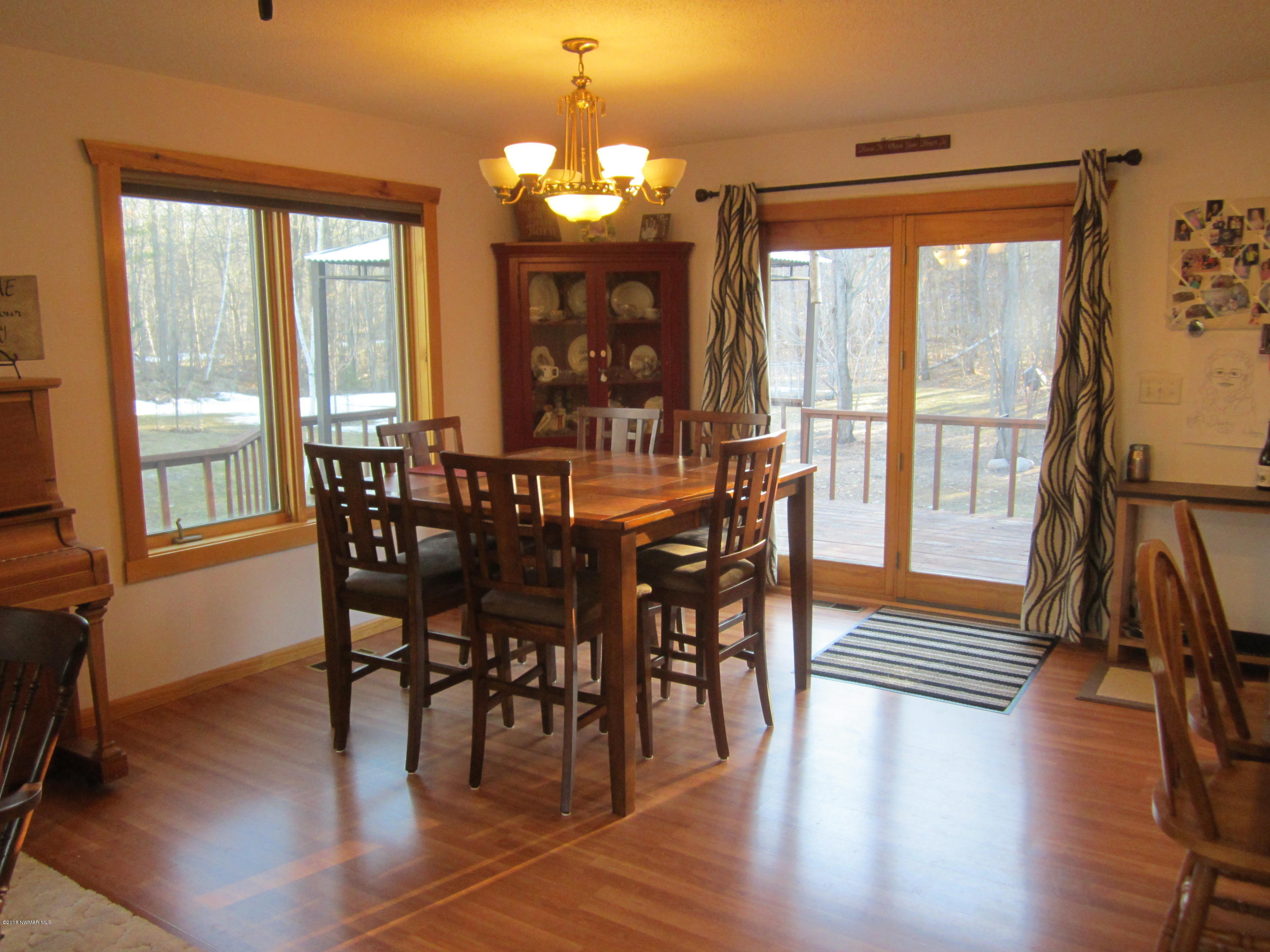Dining room w/patio door to deck